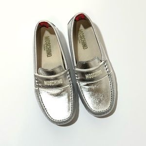 MOSCHINO TEEN Silver Moccasins Size 34